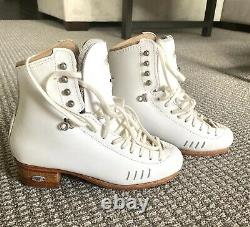 BRAND NEW, NEVER WORN Riedell Figure Skates with Blades, 1500 Model, Size 6, B/A
