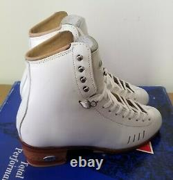 Brand NEW, Display Riedell Figure Skates, Size 5, 1500 Model, A/AA Width
