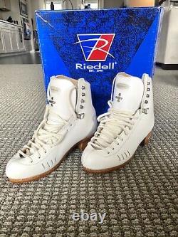 Brand NEW, NEVER WORN Riedell Figure Skates, Size 5, 1500 Model, C/B Width