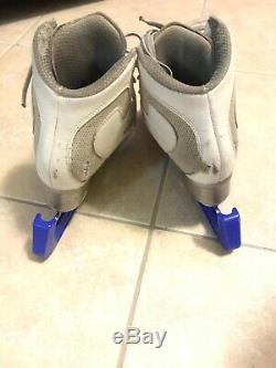 Edea 260 Figure Skating Boot And Phantom Blade 9 3/4 (Blue Guards Included!)
