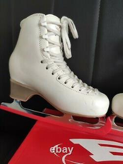 Edea overture ivory Figure Skates size 230