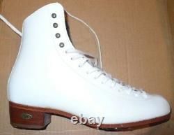 Ice Figure Skates RIEDELL 220 boots only Women Size 7 narrow 3A/2A Made in USA