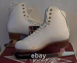 Jackson Competitor DJ 2270 Woman's Figure Skates Size 7.5 B Mark V 9 2/3 Blade
