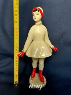 Lady Girl ice skating Figure skater USSR russian porcelain figurine Vintag 4182c