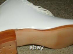 New Old Stock Riedell Womens Figure / Roller Skating Boot Only Sz 7.5 White