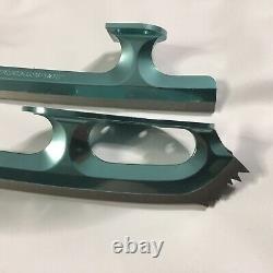 Paramount Ice Figure Skates Blades 440SS 27 size 9.75, 99 Display Model