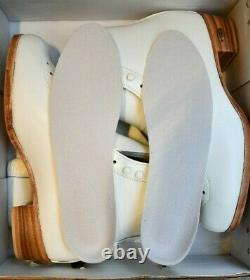 RIEDELL 355 Ladies Figure Ice Skates White Size 10 B Silver Star BOOTS