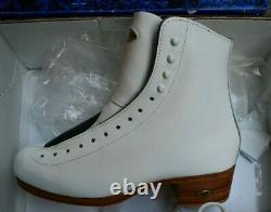 RIEDELL 355 Ladies Figure Ice Skates White Size 4.5 B/A Silver Star BOOTS