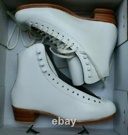 RIEDELL 355 Ladies Figure Ice Skates White Size 7.5 A BOOTS Silver Star