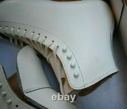RIEDELL 375 Ladies Figure Ice Skates White Size 7.5 A GOLD Star BOOTS