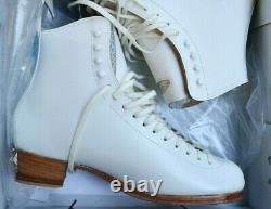 RIEDELL 375 Ladies Figure Ice Skates White Size 8.5 A GOLD Star BOOTS
