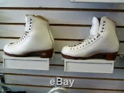 Riedell 435 Bronze Star Womens White 6.5 C/B Figure Skating Boot