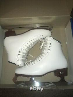 Riedell Figure Skates Size 9